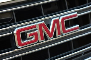 2014 GMC Sierra badge