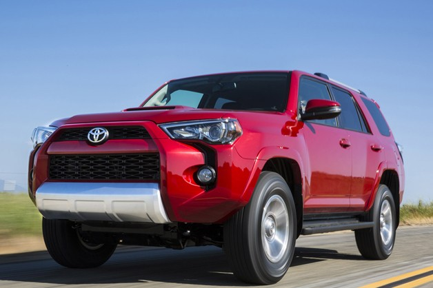 2014 Toyota 4Runner front three-quarter