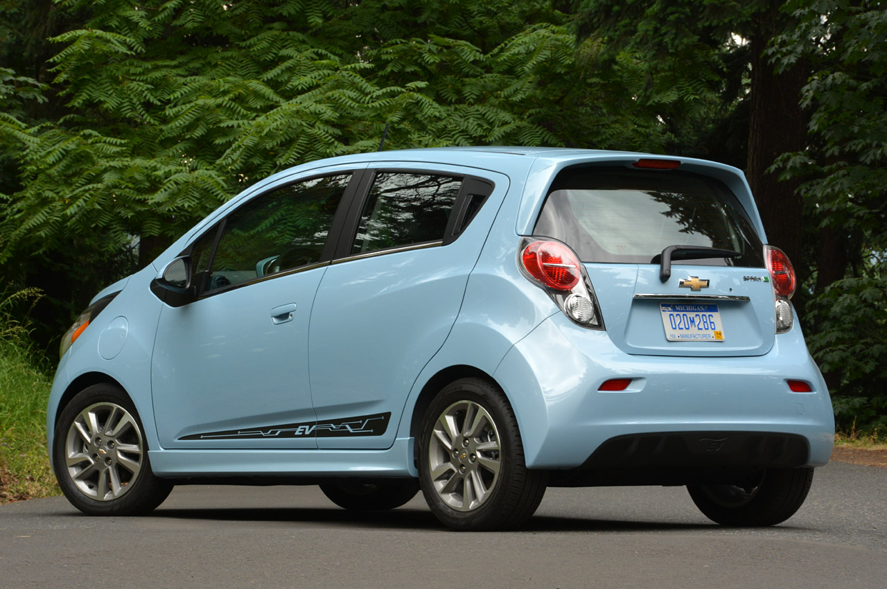 2015 chevy spark will have lighter smaller battery autoblog. Black Bedroom Furniture Sets. Home Design Ideas