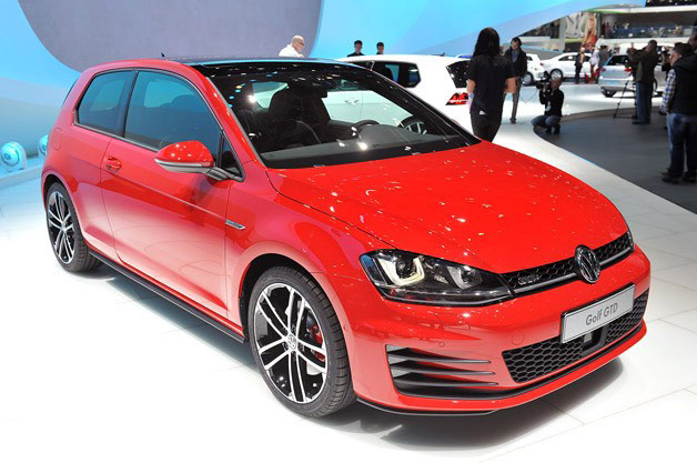 Mk VII Volkswagen Golf GTD - red - live on auto show stand