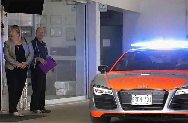 2014 Audi R8 dealer courtesy car - video screencap