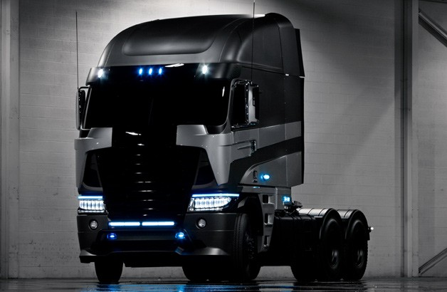 Michael Bay unveils Freightliner truck character for Transformers 4
