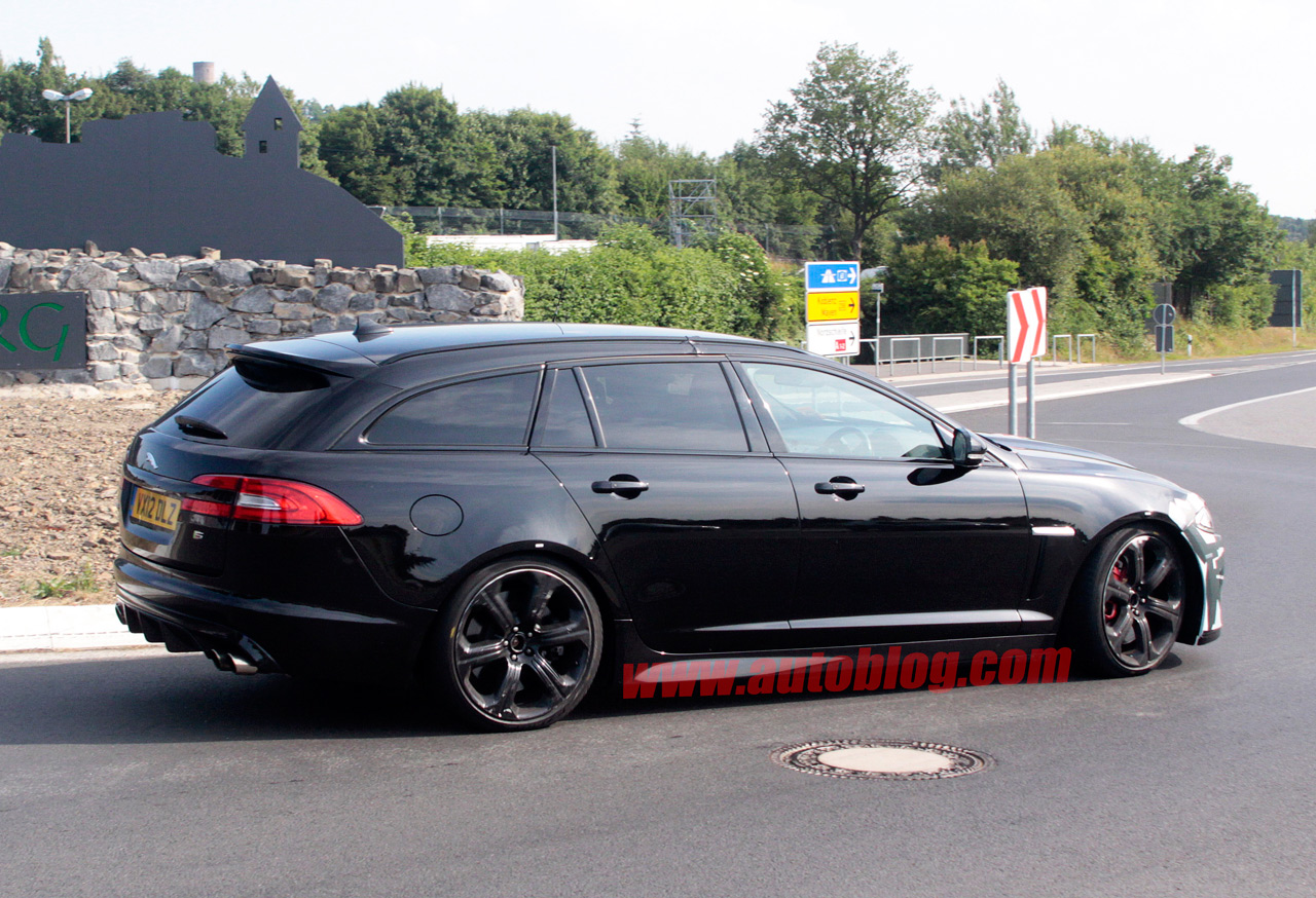 jaguar 39 s xfr s sportbrake looks to be one hot kinschlepper autoblog. Black Bedroom Furniture Sets. Home Design Ideas