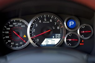 2014 Nissan GT-R gauges