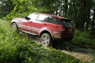 2014 Range Rover Sport off-road