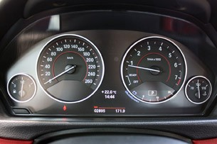 2014 BMW 4 Series gauges