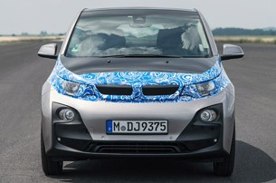 2014 BMW i3 front view