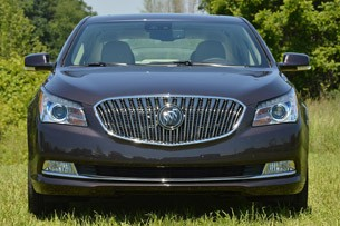 2014 Buick LaCrosse front view