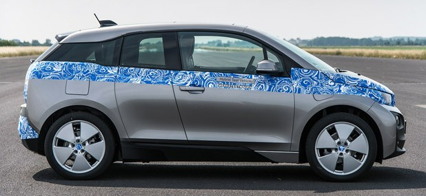 2014 BMW i3 side view