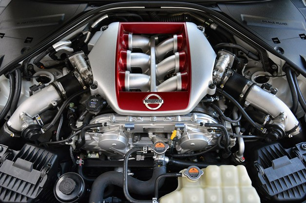 2014 Nissan GT-R engine
