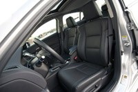 2013 Acura ILX Hybrid front seats