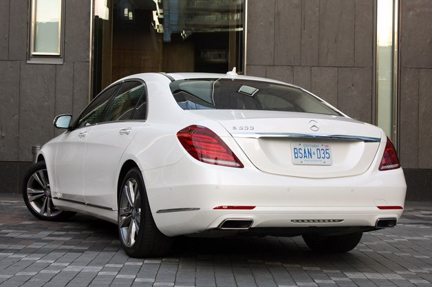 2014 Mercedes-Benz S-Class rear 3/4 view