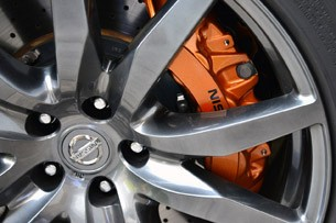 2014 Nissan GT-R wheel detail
