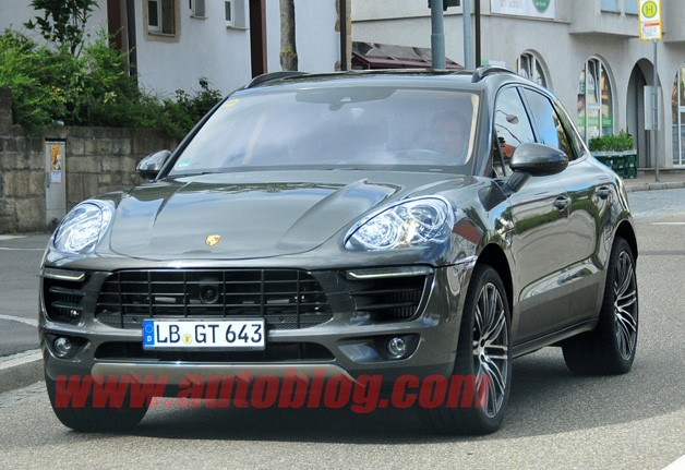 Porsche Macan Spy Photo front three-quarter tight