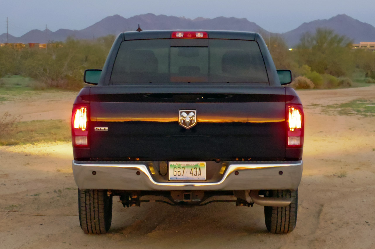 2012 dodge ram 1500 review pictures features specs auto autos weblog. Black Bedroom Furniture Sets. Home Design Ideas