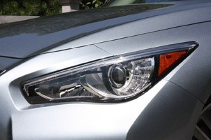 2014 Infiniti Q50 headlight