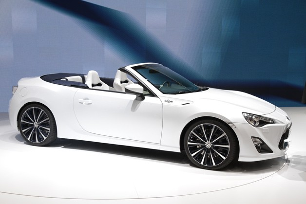 Toyota FT-86 Open concept live at Geneva Motor Show reveal