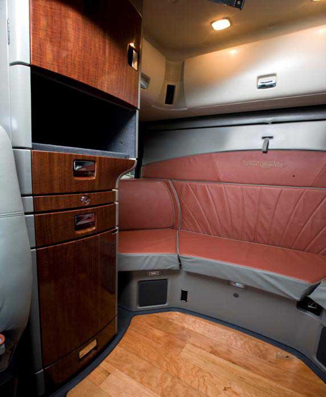International Trucks Lonestar Interior