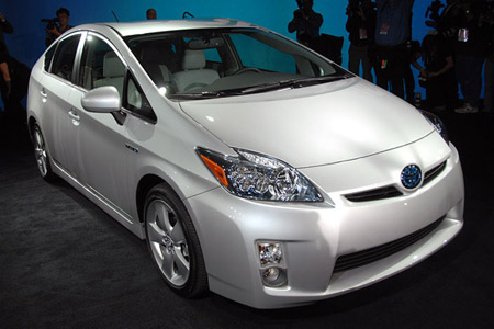2010 Prius(Review) 2010toyotapriuslive_07_opt_optaabg