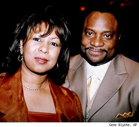 bishop eddie long scandal, bishop eddie long