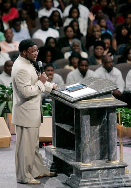 Bishop Eddie Long Accusers Say They Broke Into Office to Obtain Evidence