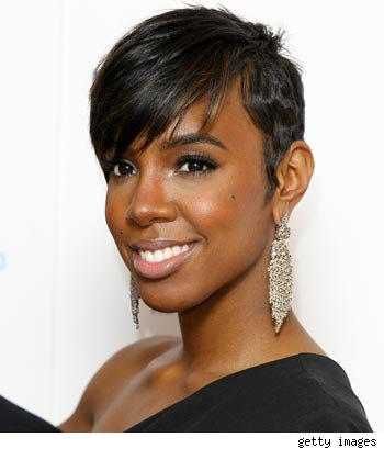 Women Tossing Out Weave Wigs, Sporting Short Hair Styles Trend 2011
