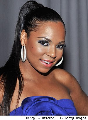 Singer Ashanti subtly matched her royal blue, strapless dress with ...