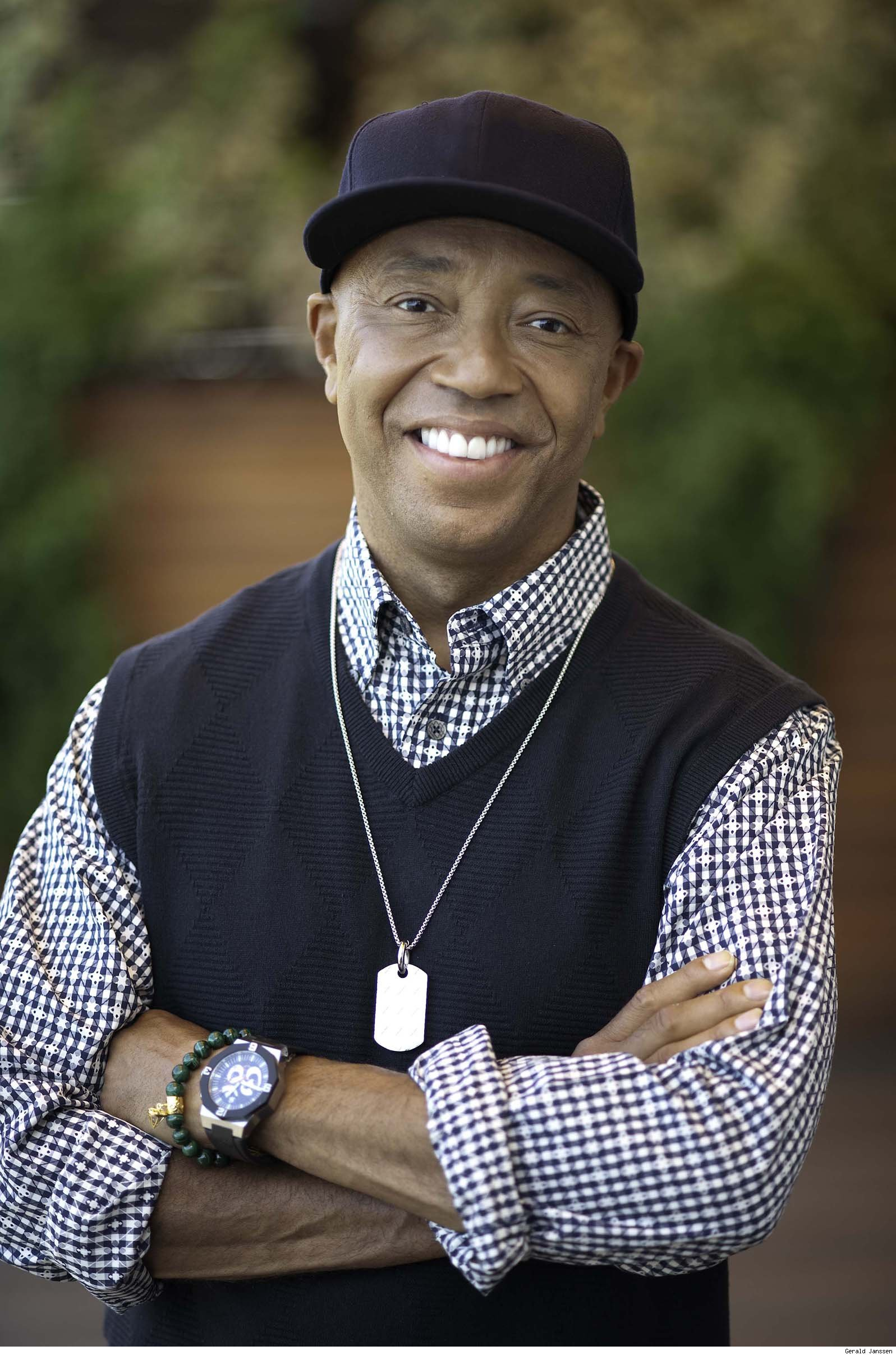 russell simmons A los angeles woman is suing music mogul russell simmons, alleging he raped her at his home in 2016 an attorney for 37-year-old jennifer jarosik filed the.