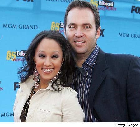 tamera mowry husband. Tamera Mowry appears to be