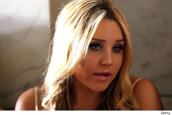Amanda Bynes quits twitter
