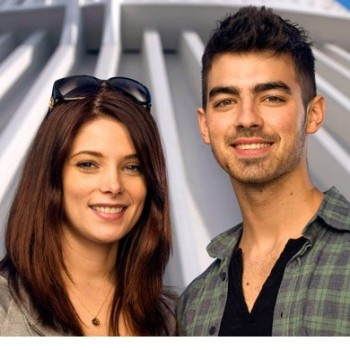 Joe Jonas and Ashley Greene Split
