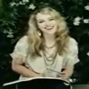 000_000_499_bridgit-mendler-how-to-believe