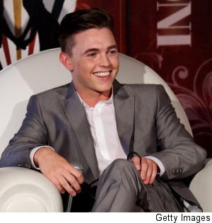 000_001_266_jesse-mccartney-giffoni