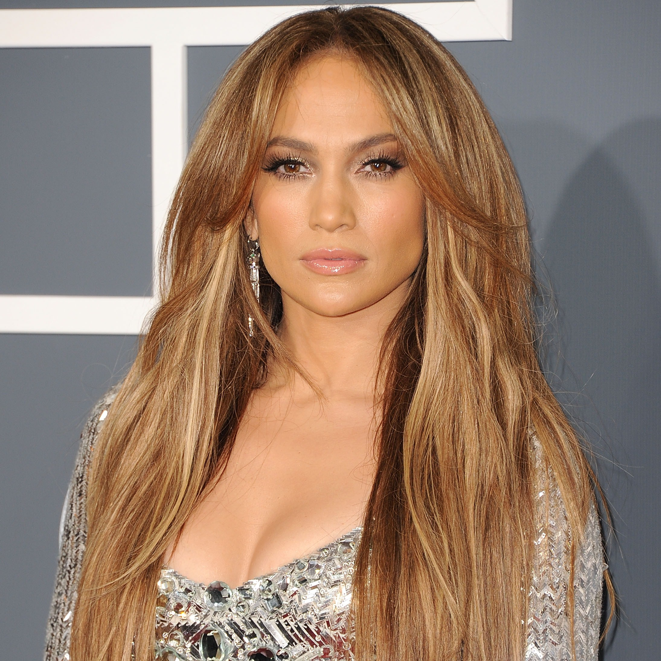 Jennifer Lopez is giving fans the chance to pick the ending of her new ...