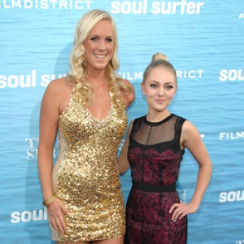 "Annasophia Robb, Carrie Underwood, Joe Jonas & More Attend ""Soul Surfer"" Premiere"