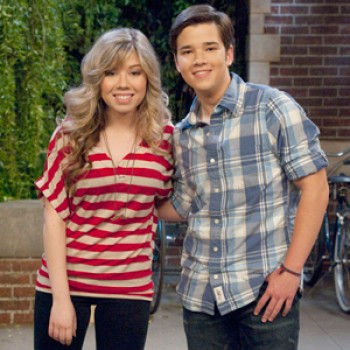 "Sneak Peek: ""Icarly"" says OMG!"
