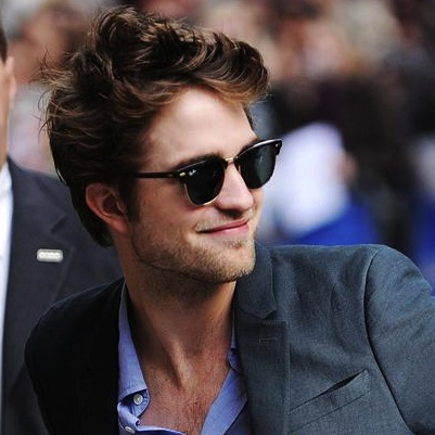 000_009_051_robert_pattinson_does_95c1