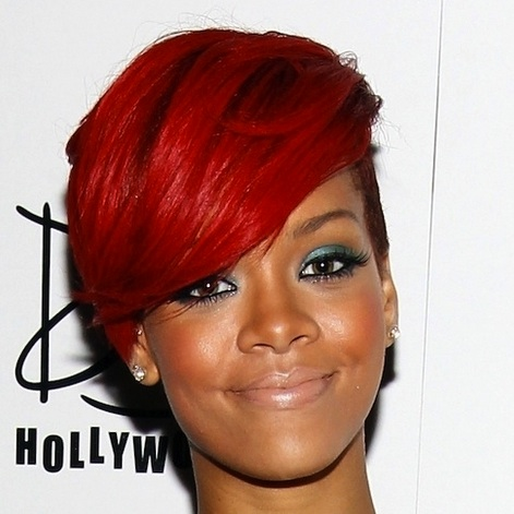 000_009_087_rihanna_red_hair_4