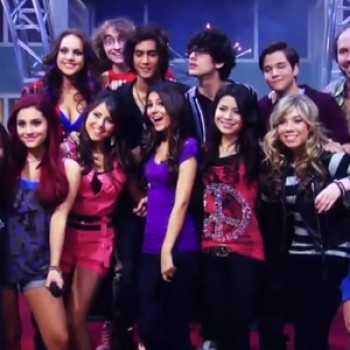 "Behind the Scenes Sneak Peek of ""iparty with Victorious""!"