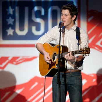 Nick Jonas, Elmo & Michelle Obama Team Up with the USO in Ohio