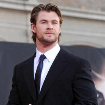 "Chris Hemsworth Is Kristen Stewart's ""Huntsman"""