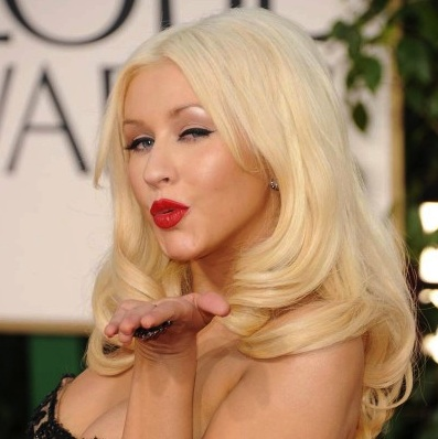 000_010_182_christina-aguilera-2011-golden-globes-red-carpet-01162011-09-430x615