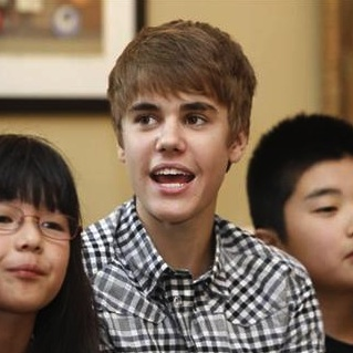 Justin Bieber has paid tribute to the survivors of the Japanese ...