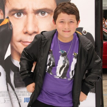 Frankie Jonas Premieres Mr Popper's Penguins