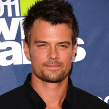 Josh Duhamel Still Embarrassed About Plane Drama