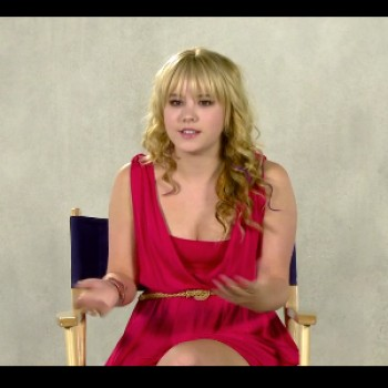 EXCLUSIVE: Taylor Spreitler Says Season 2 of &quot;Melissa &amp;amp; Joey&quot; is 'A Lot Crazier' (Video)