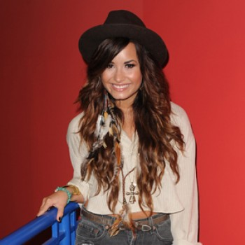 Demi Lovato &amp;amp; Foster the People to Perform at the Dosomething Awards