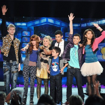 "EXCLUSIVE: ""Shake It Up"" Cast Performs at D23 (Video)"