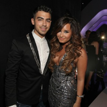 Demi Lovato & Joe Jonas: Busy VMA Weekend Performances (Video)