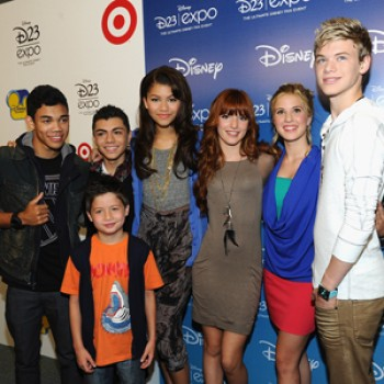 "EXCLUSIVE: The Cast of ""Shake It Up"" Dishes on Fashion & Season 2 (Video)"